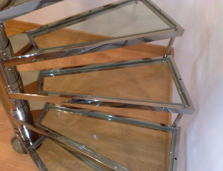 Como hacer una escalera de caracol imagen la madera es for Como construir una escalera de metal